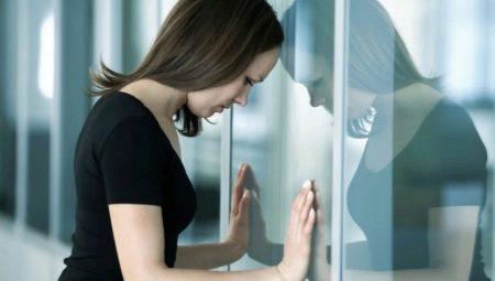 Низкая самооценка у девушки: как стать уверенной в себе, полюбить себя и  поднять свою самооценку?